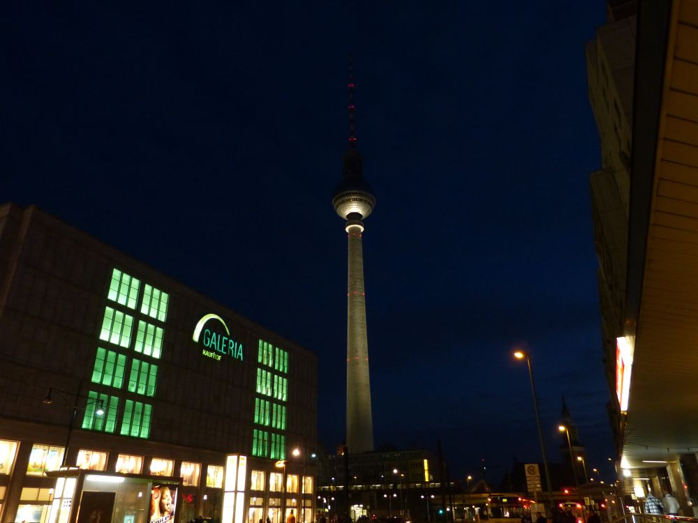 Alexanderplatz am Abend