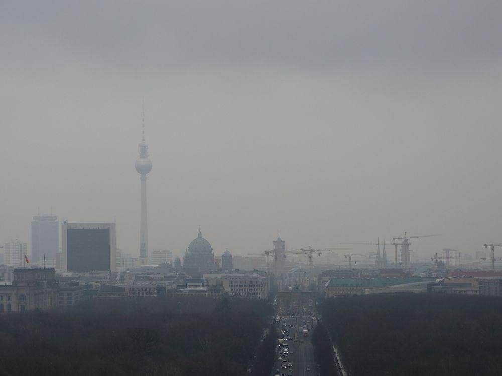 Blick auf den Alexanderplatz mit Fernsehturm