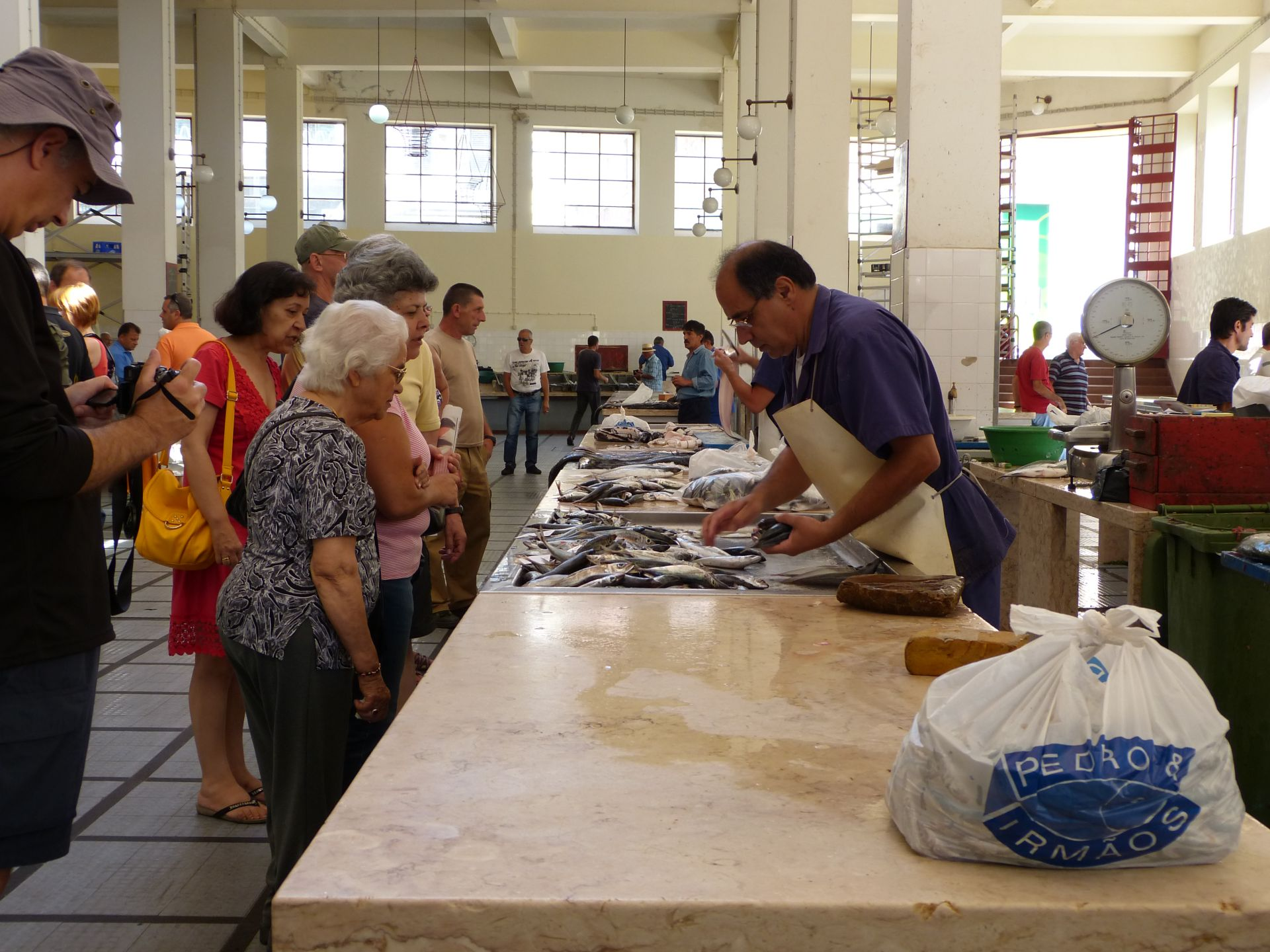 Großer Andrang bei den Fischhändlern