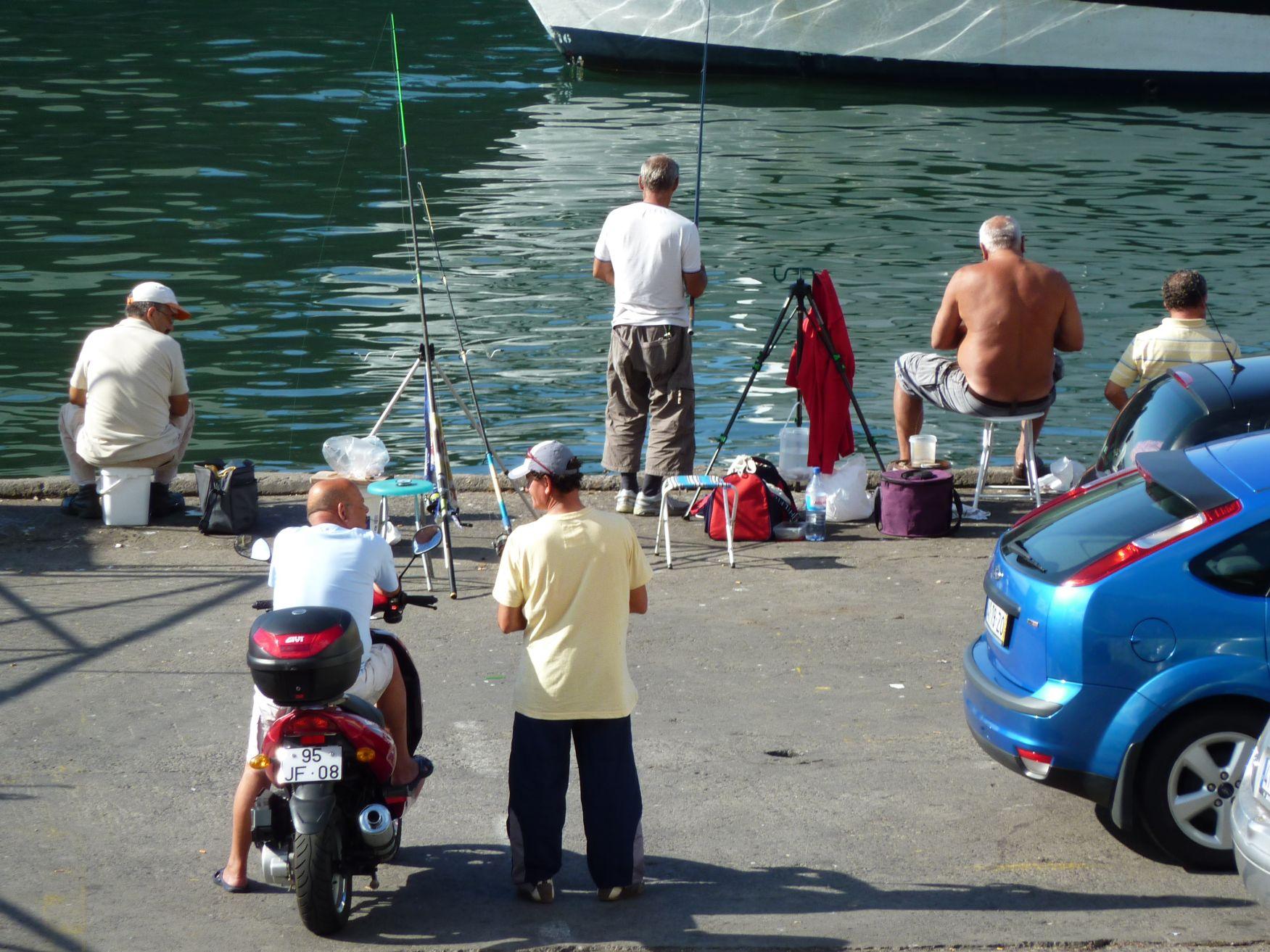 Hobbyfischer in Funchal
