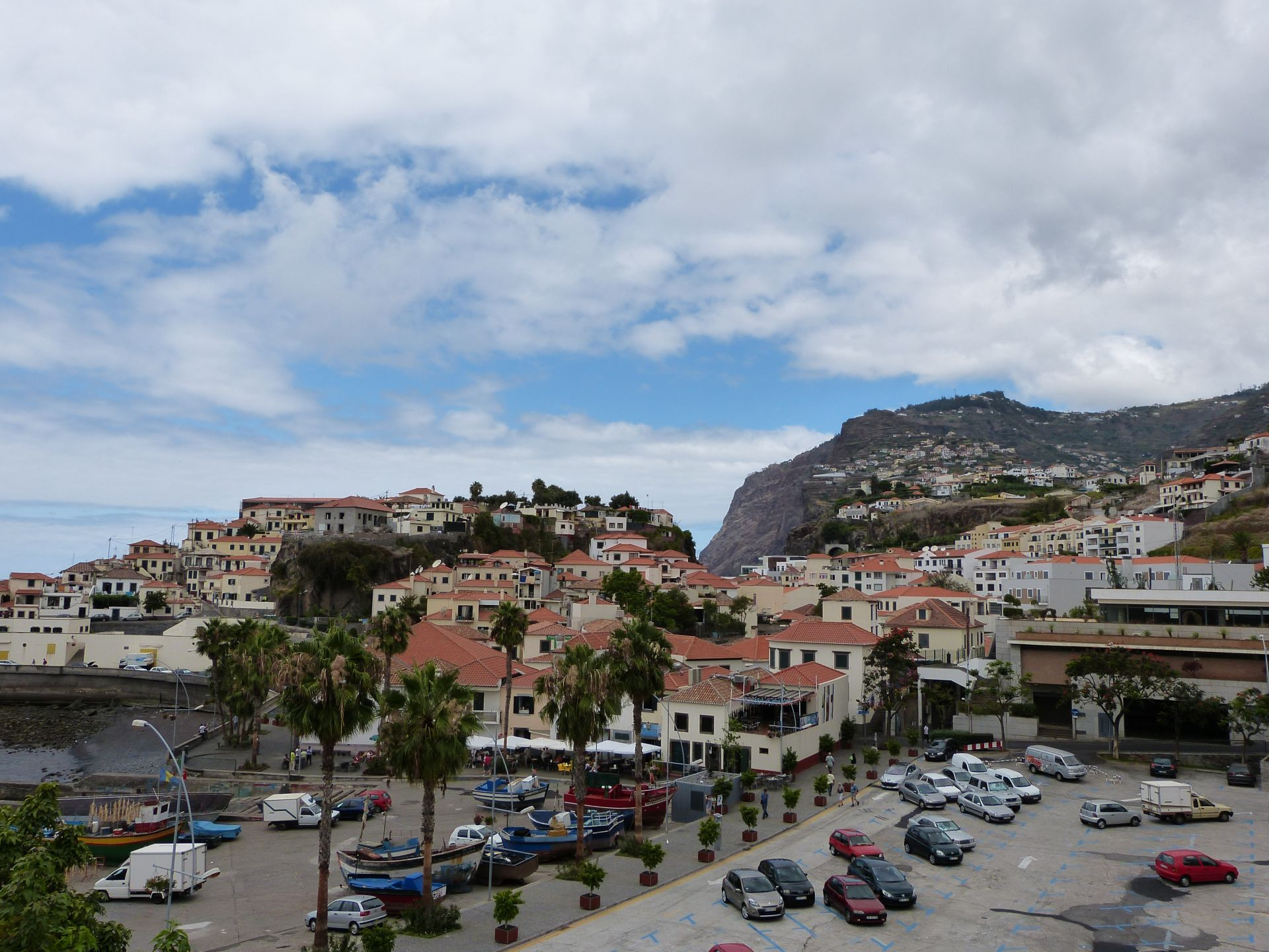 Blick auf den Hafen von Câmara de Lobos