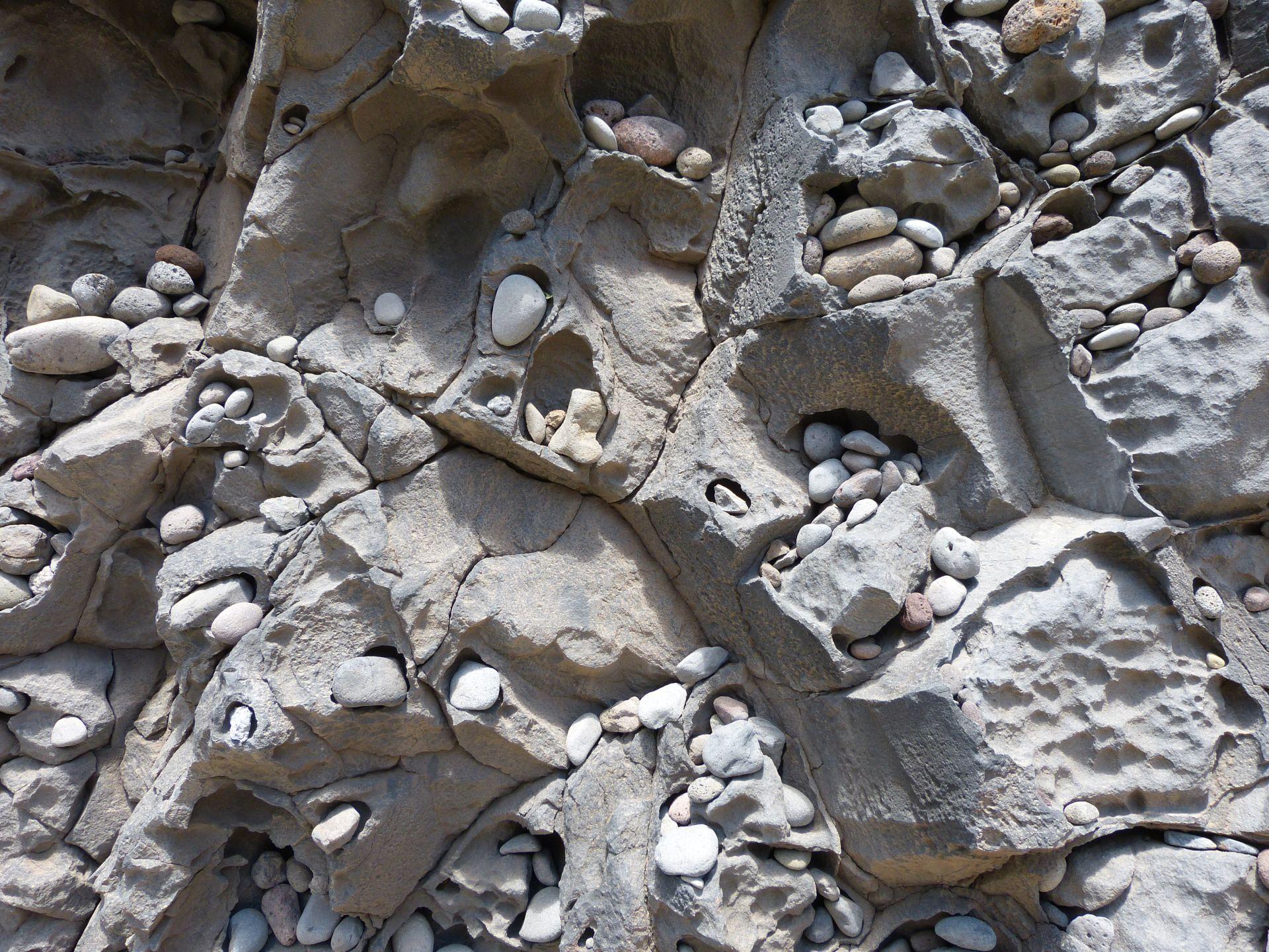 Der Berg bekommt seine Steine zurück