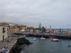 Blick zum kleinen Hafen am alten Zollhaus vorbei