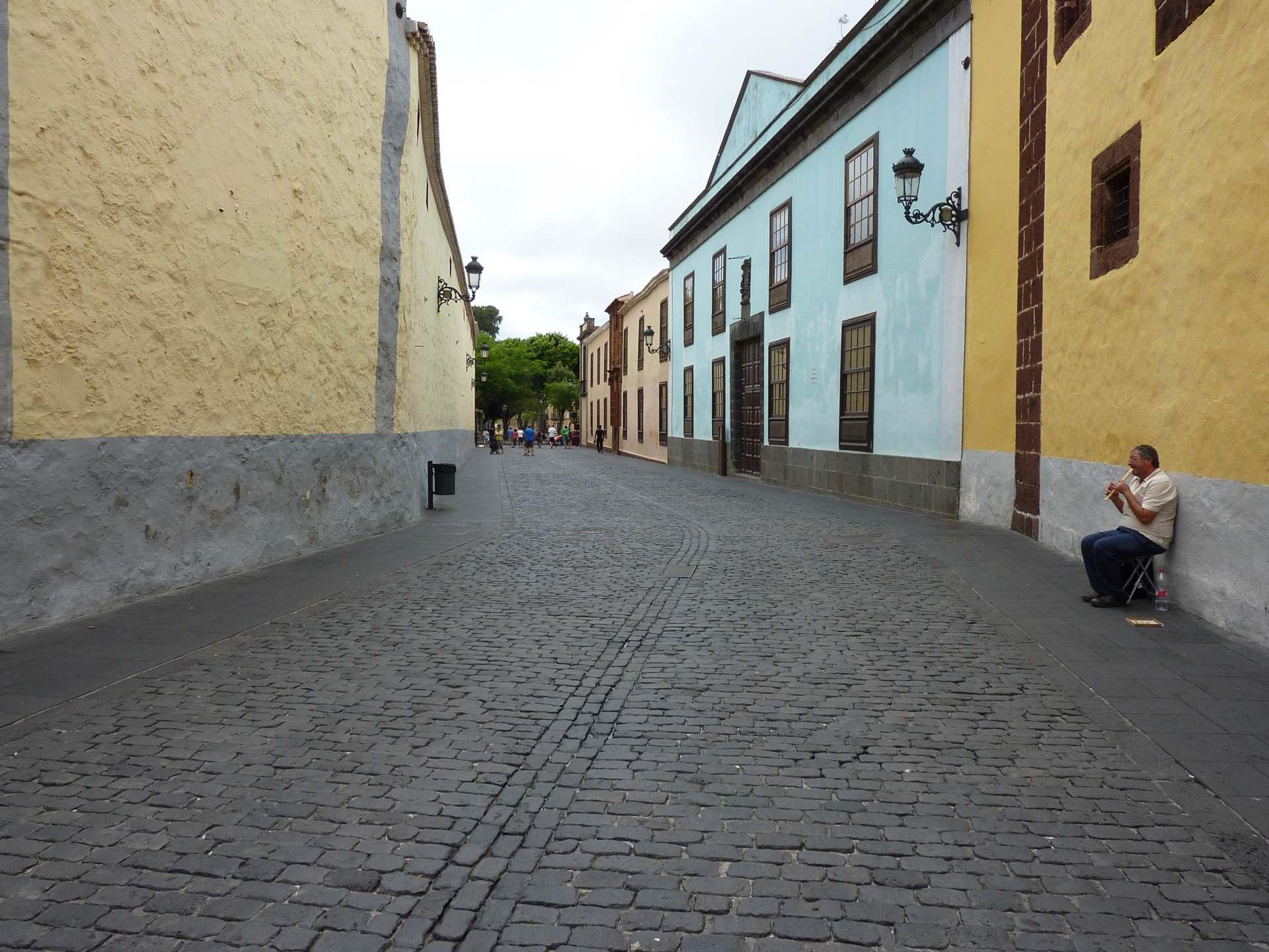 Weiter vorne - Casa de la Alhóndiga