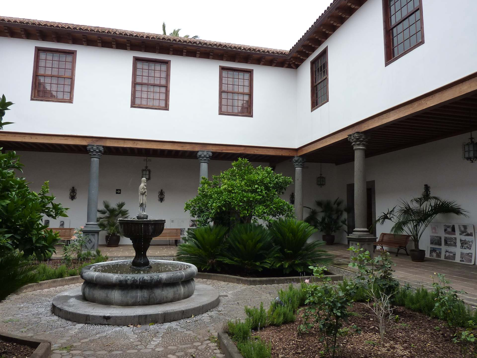 Casa Salazar, Patio