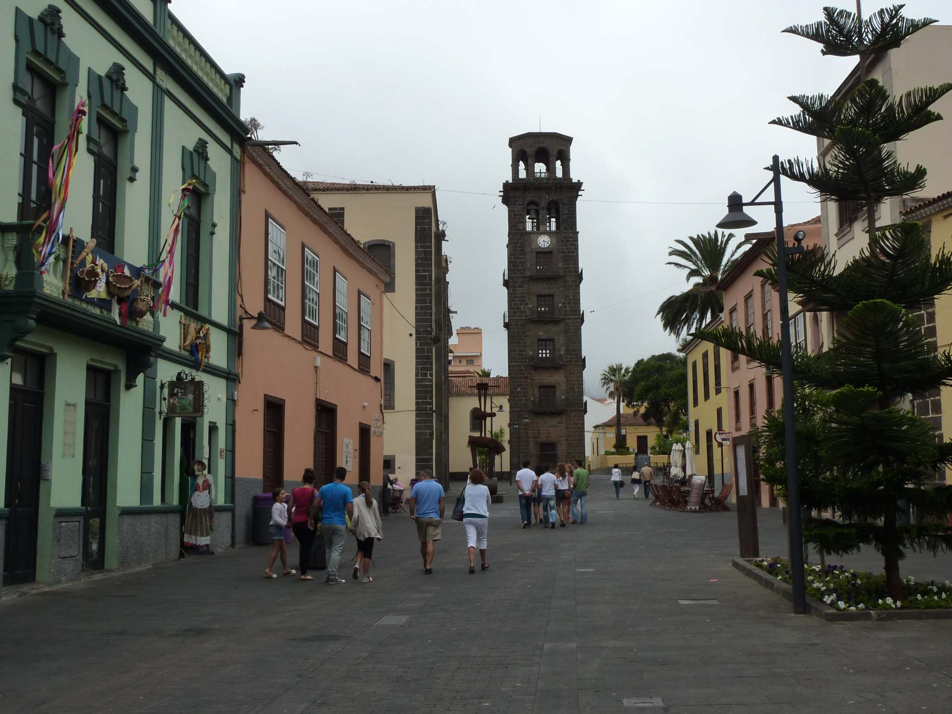 Blick auf Iglesia de La Conceptión, Glockenturm
