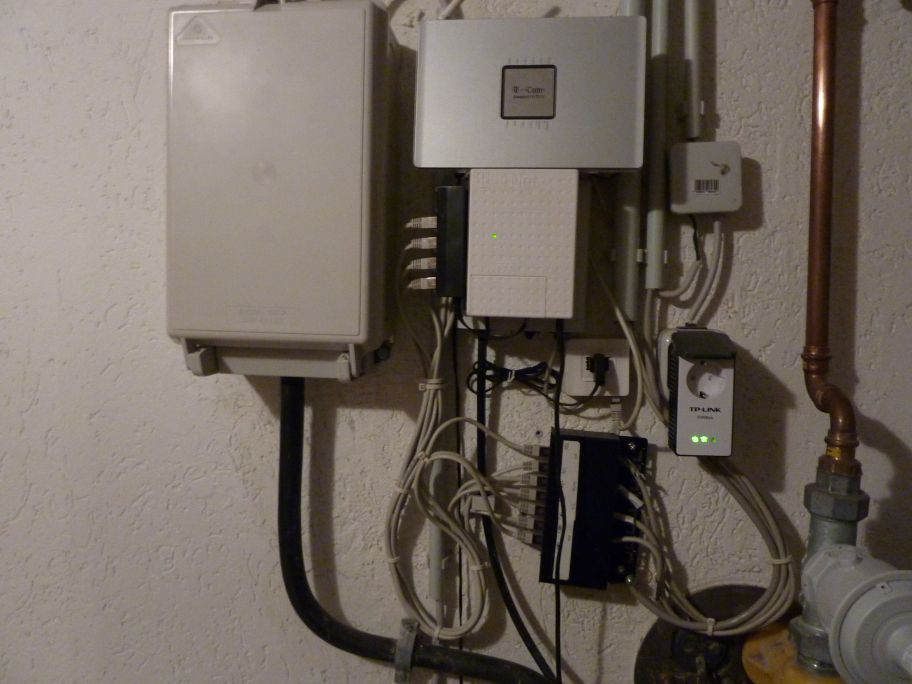 testbericht tp link pa251 bzw tl pa211 powerline adapter mit vielen messdaten und bildern. Black Bedroom Furniture Sets. Home Design Ideas