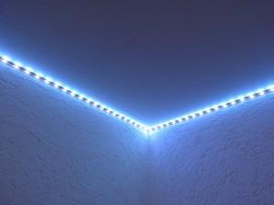 testbericht lighting ever flexibler rgb led streifen mit wechselnden farben und fernbedienung. Black Bedroom Furniture Sets. Home Design Ideas